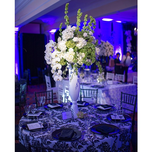 EAW loves to design a black & white party! #eventsbyandrewells #EAWdesign #eventplanner #andrewells #blackandwhite #birthdayparty #celebration #wedoallkindsofevents #floral #luxevents #eventdesigner #washingtondc