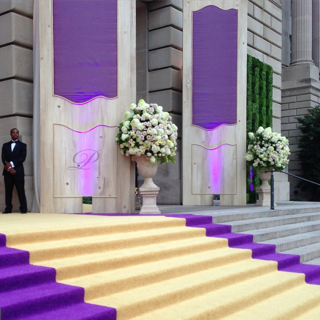 This is how all guests should be welcomed!  #wedding #mellonauditorium #bride #groom #weddings #weddingguests #grandentrance #howrealentrancesaremade #weddingwednesday #dcweddings