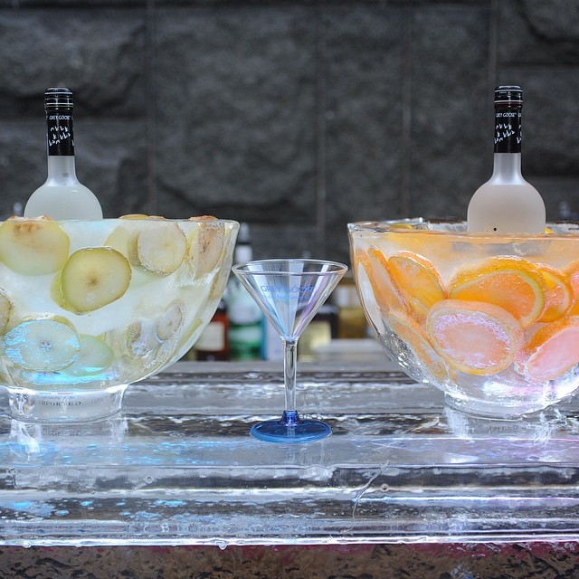 Entertaining this weekend? Get creative with your set up!! #eventsbyandrewells #eawdesign #entertaining #theweekend #getcreative #greygoose #fruitbowls #andrewells #hireaneventplanner #hosting